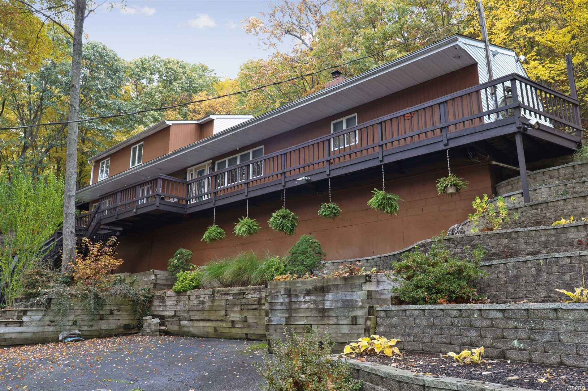 485 Harbor Rd Cold Spring Hrbr, NY 11724