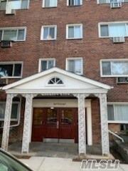828 Pelhamdale Ave New Rochelle, NY 10801