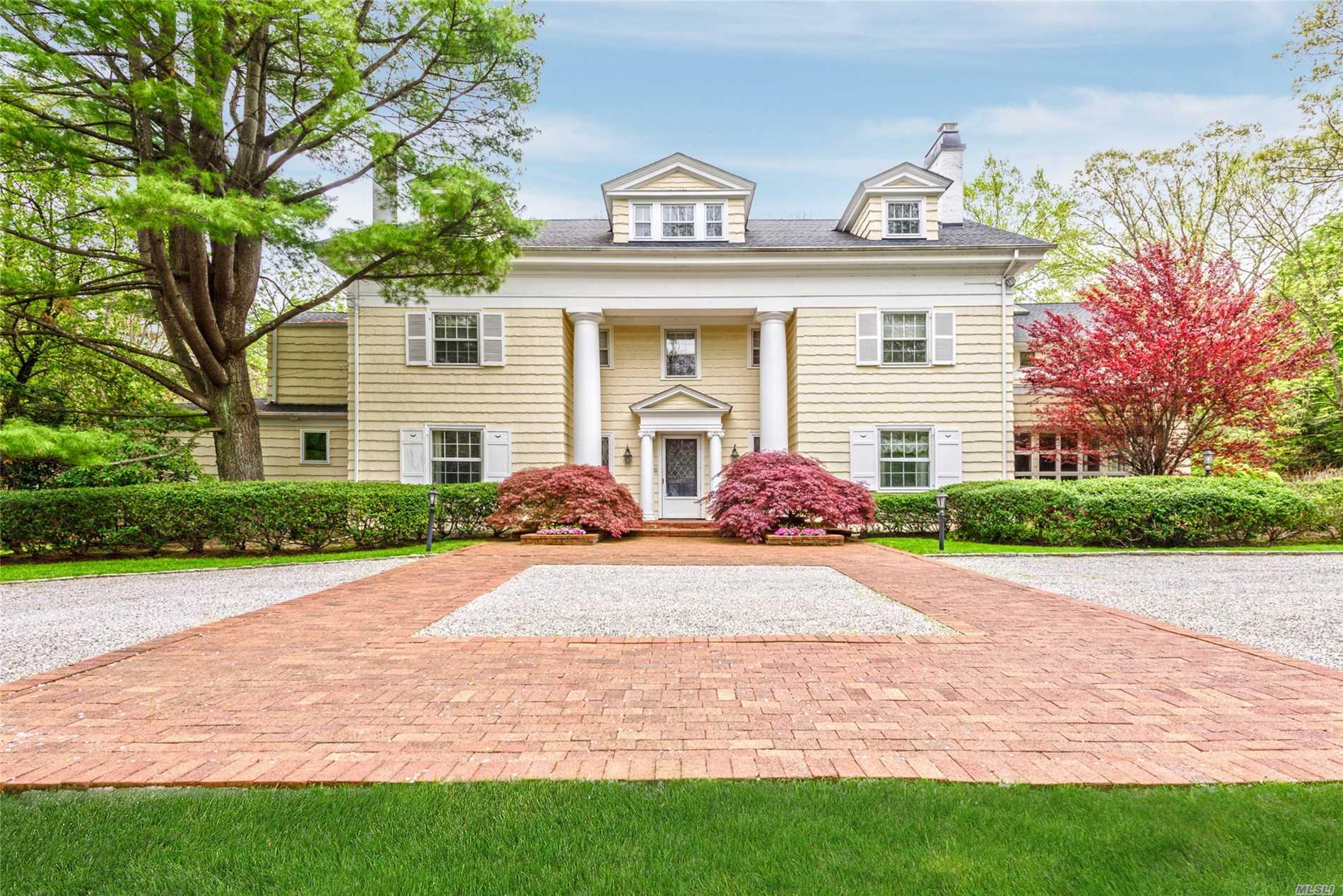 8 The Dogwoods Roslyn Estates, NY 11576