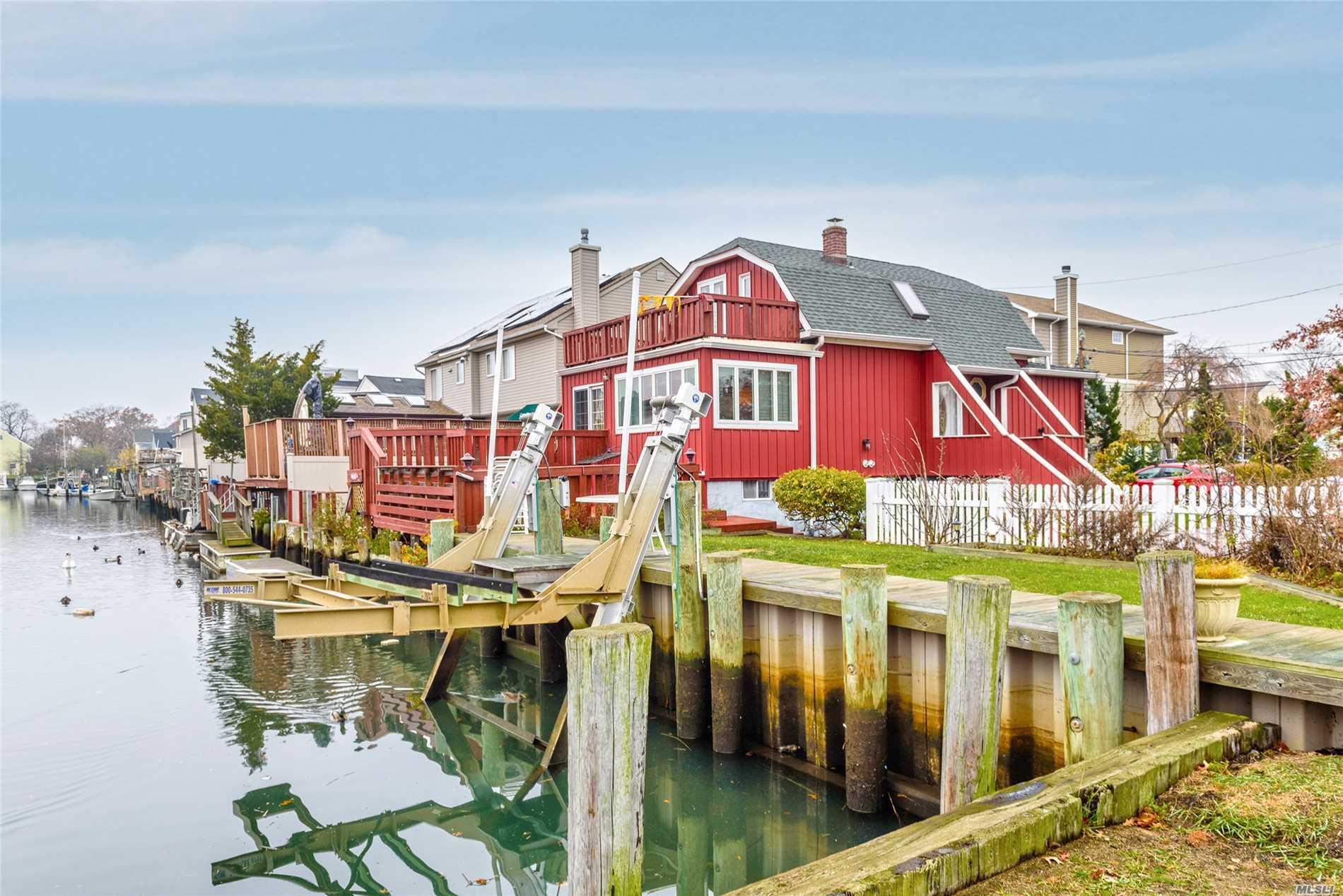 24 Arthur St Baldwin Harbor, NY 11510