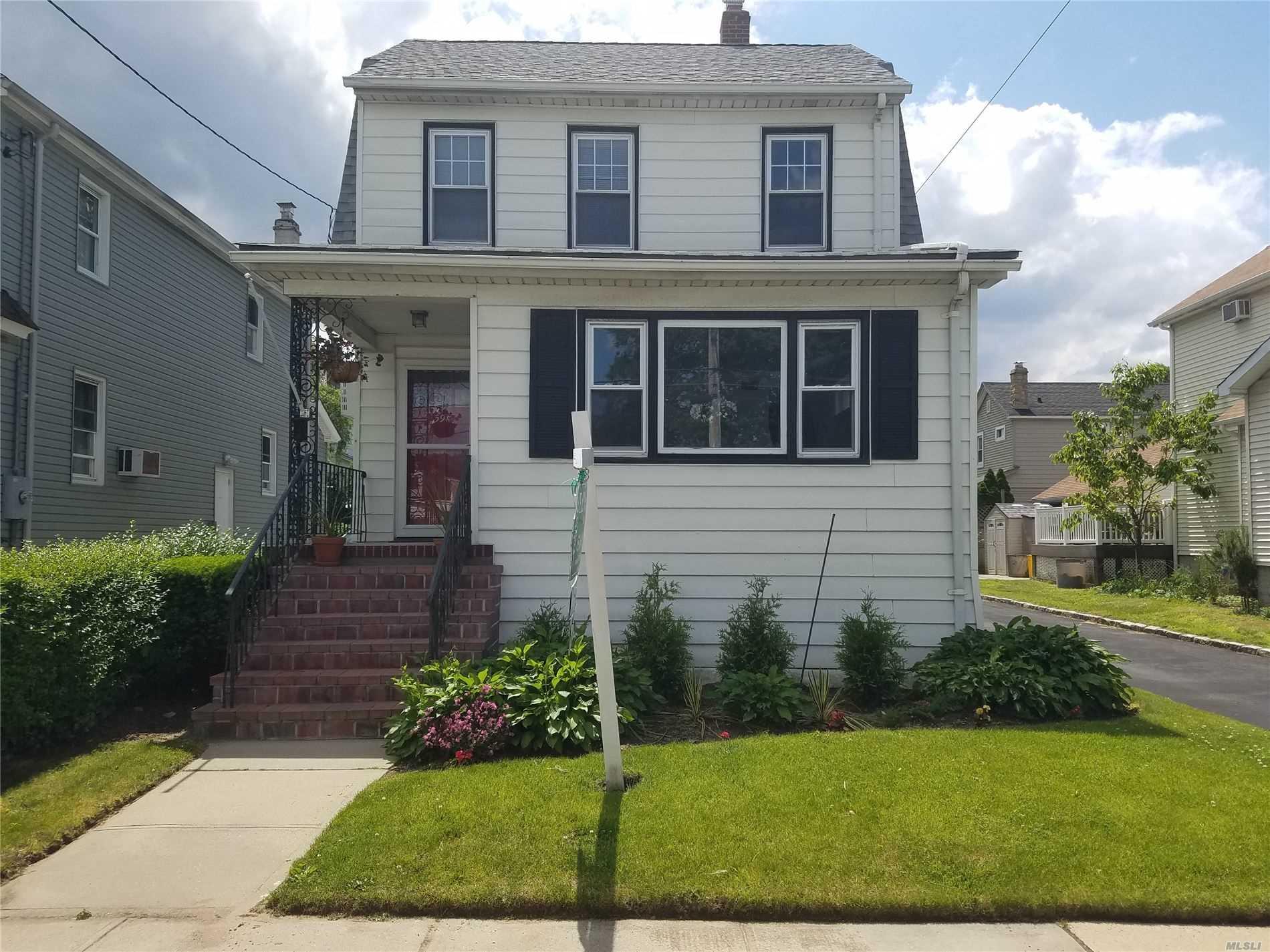391 Mill Rd Hewlett, NY 11557