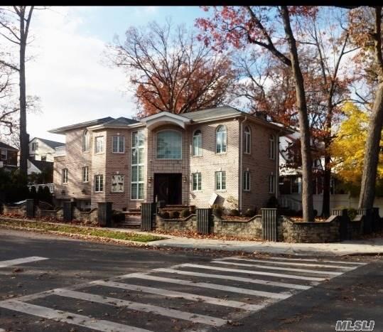 86-50 188th St Jamaica Estates, NY 11423