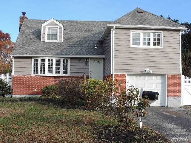 58 S Parkview Cir Bethpage, NY 11714