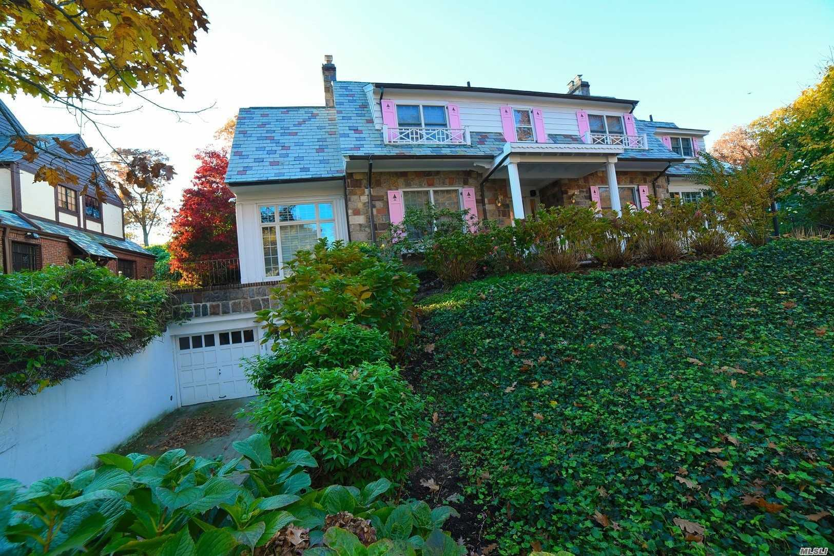 181-45 Midland Pky Jamaica Estates, NY 11432