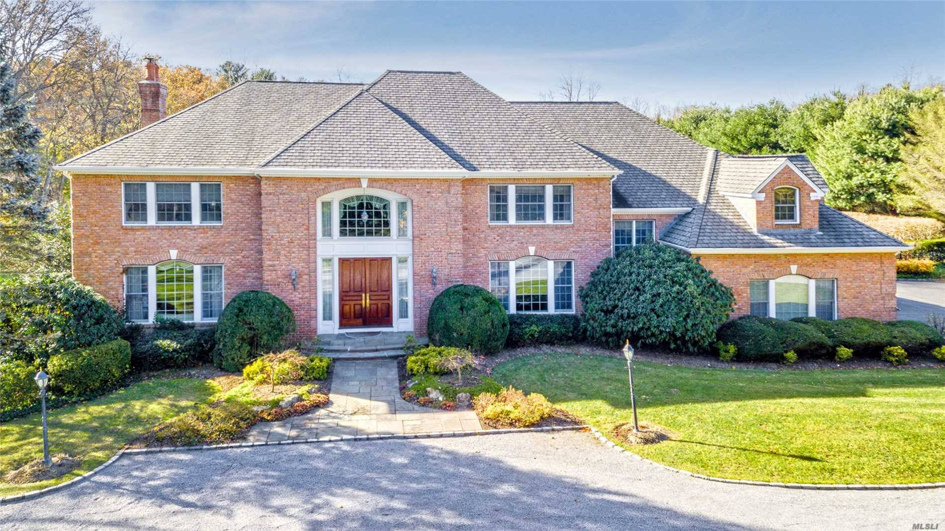 6 Summerwind Dr Muttontown, NY 11545