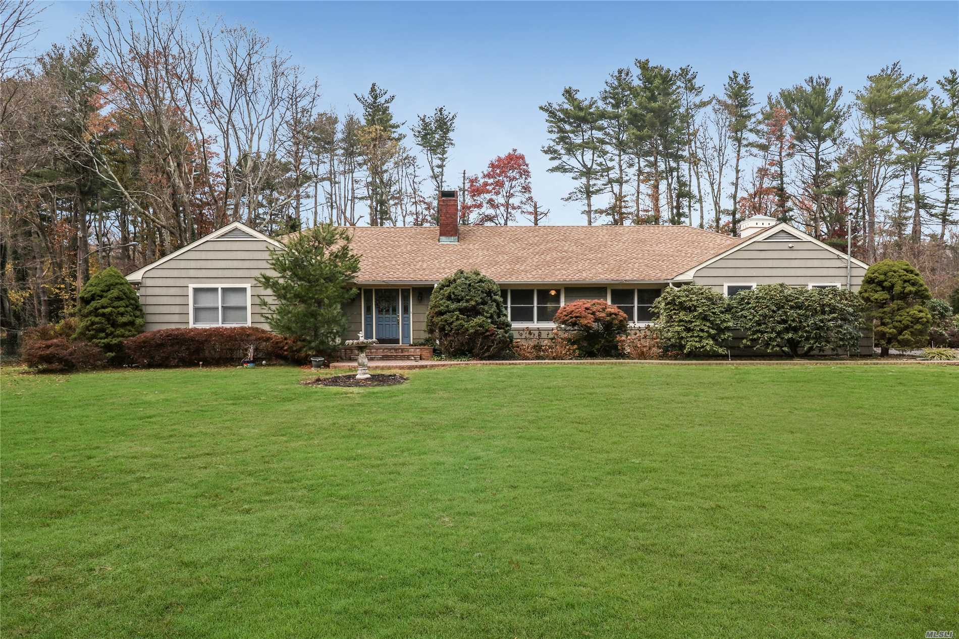 1 Emerson Rd Brookville, NY 11545
