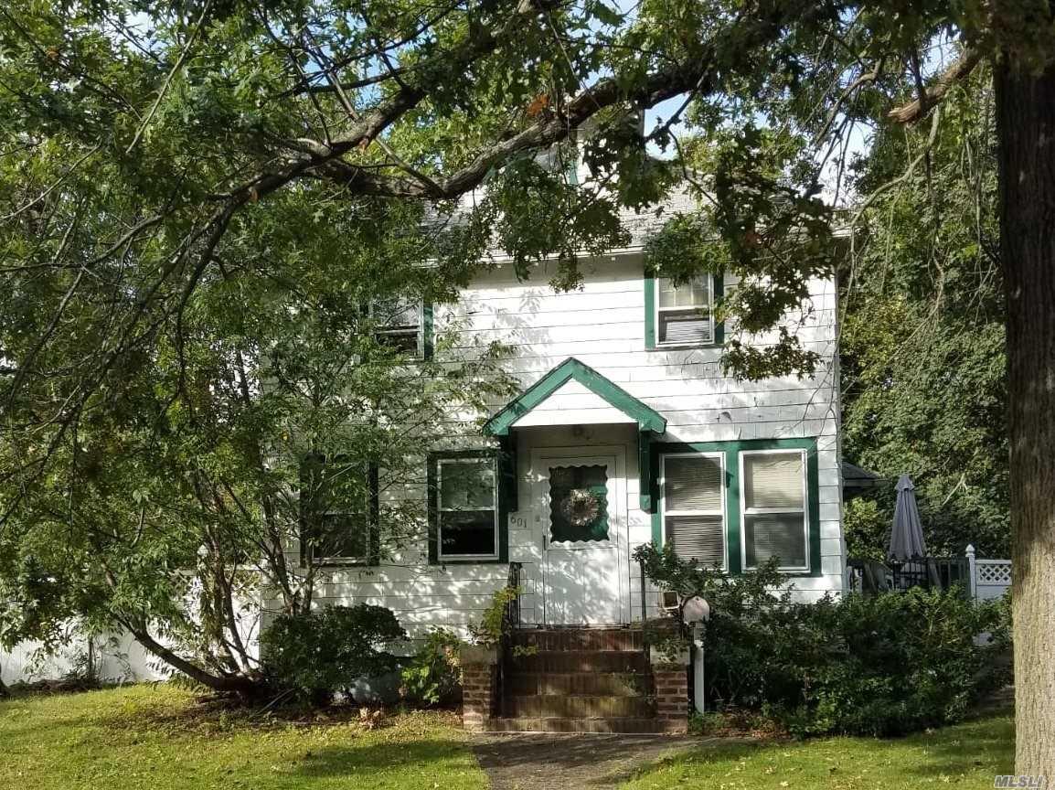 601 Maude St S. Hempstead, NY 11550