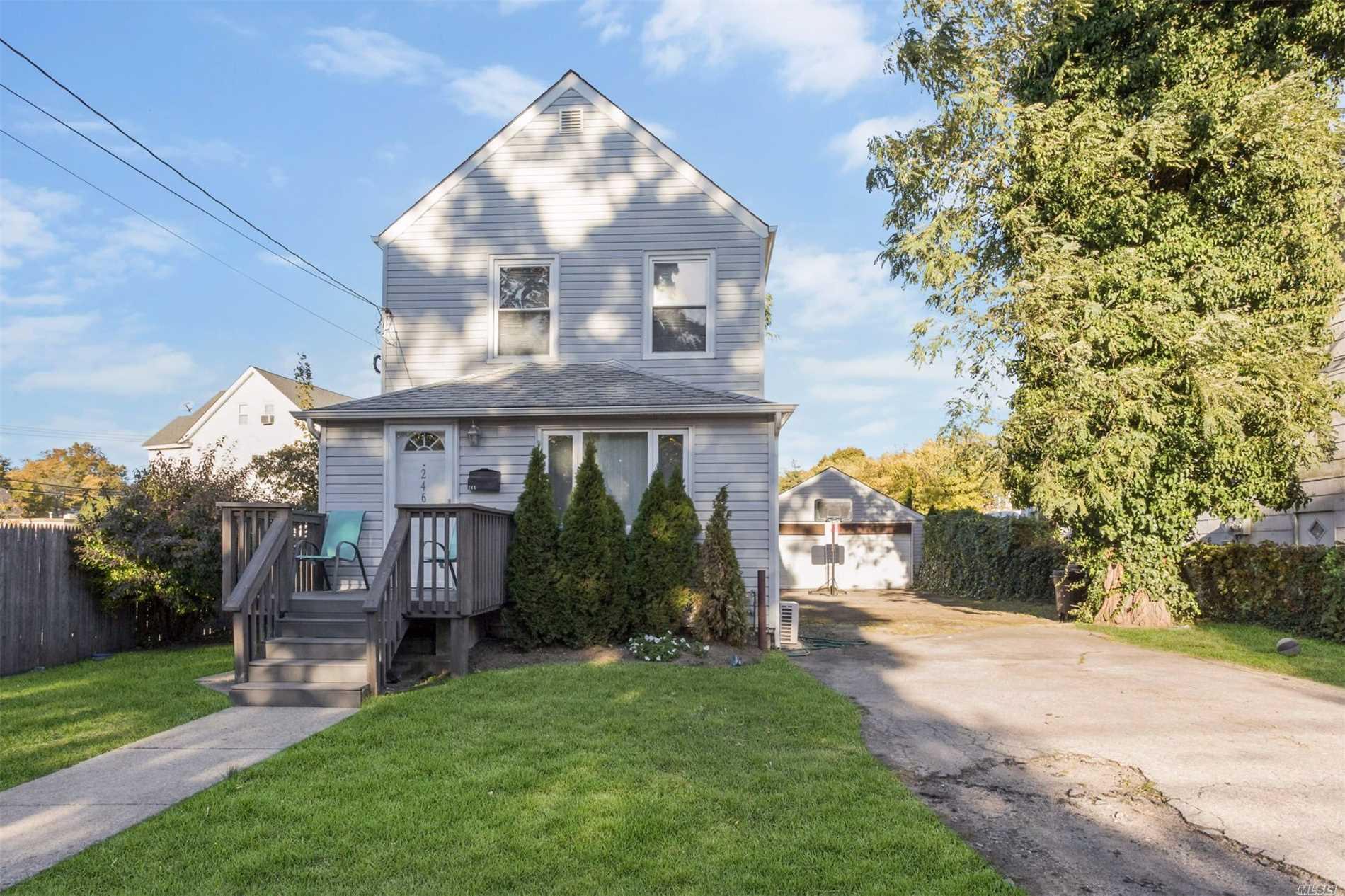 246 Prospect Ave Cedarhurst, NY 11516
