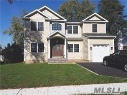 31 Richfield St Plainview, NY 11803