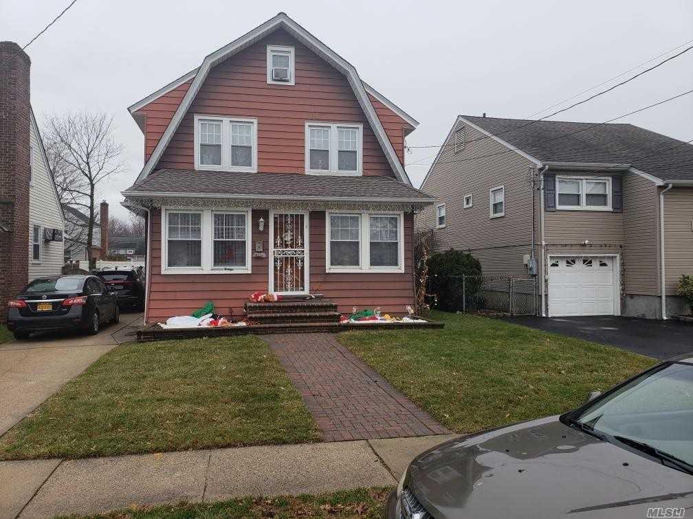 20 Nassau Blvd Malverne, NY 11565