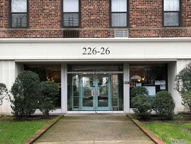 226-26 Union Tpke Oakland Gardens, NY 11364