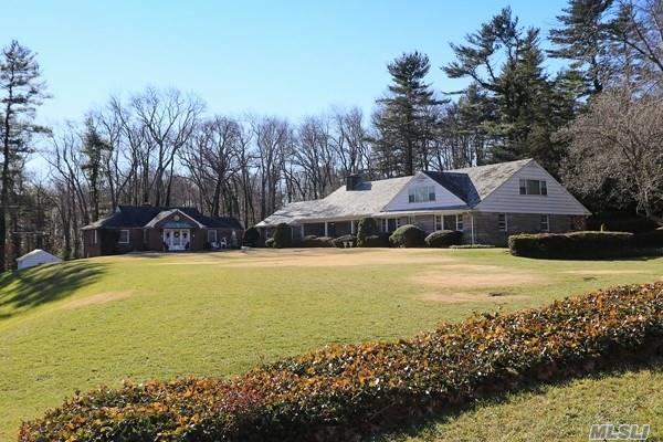 18 Ormond Park Rd Brookville, NY 11545
