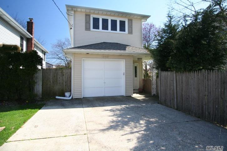 1949 Park St Atlantic Beach, NY 11509