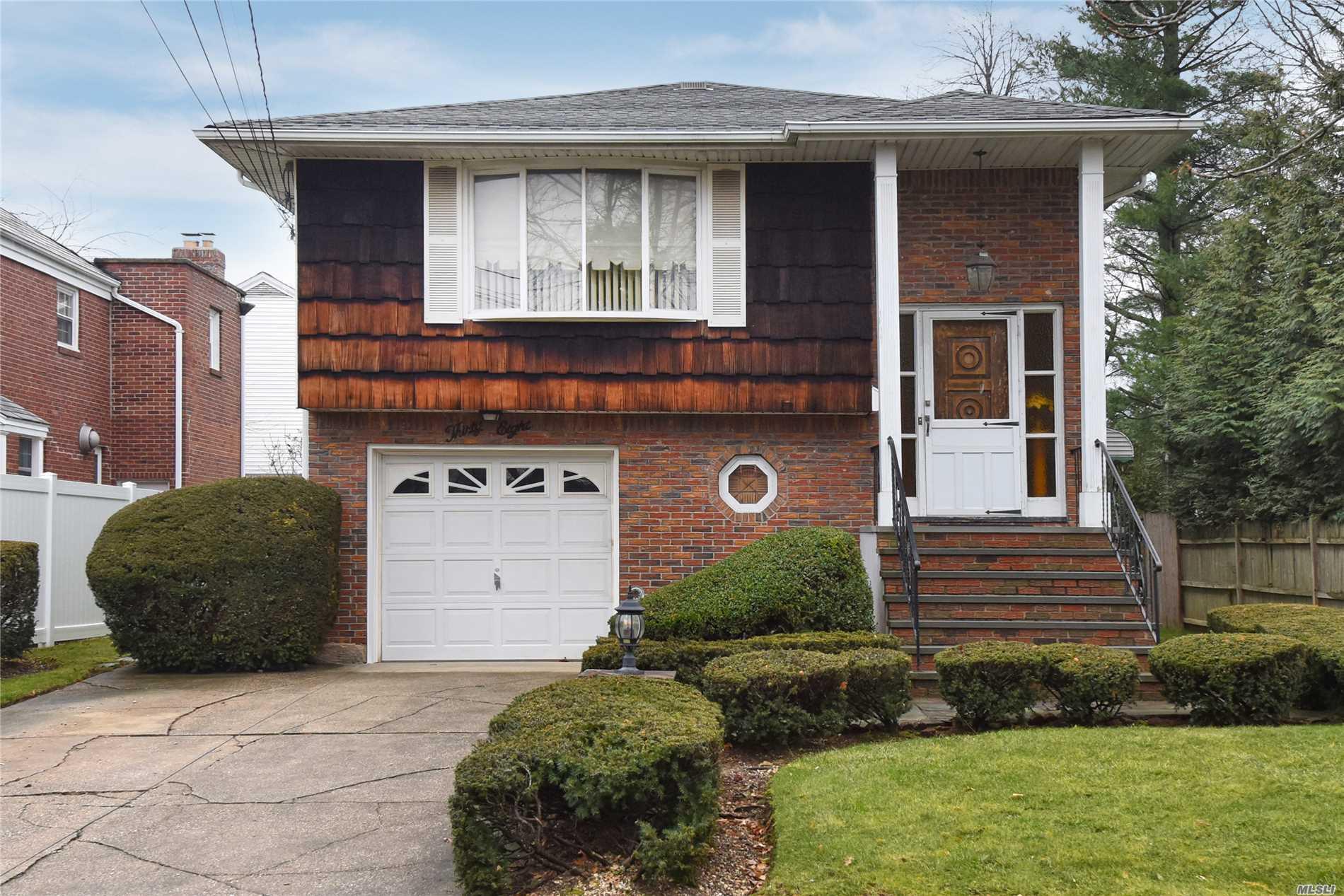 38 Murdock Rd E. Rockaway, NY 11518