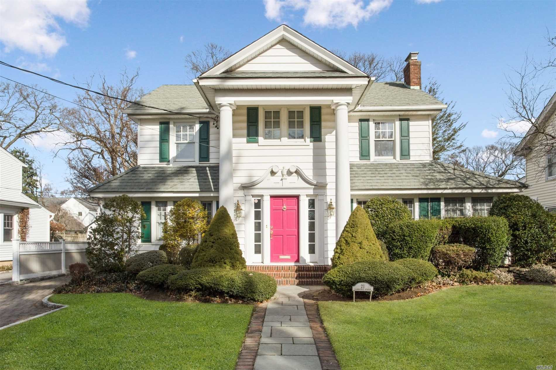 21 Cambridge St Rockville Centre, NY 11570