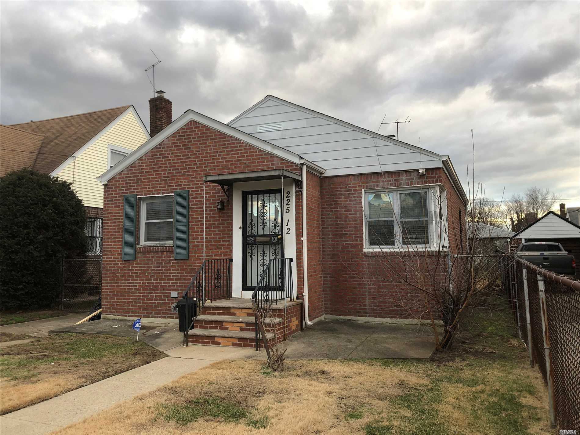 22512 114th Rd Cambria Heights, NY 11411