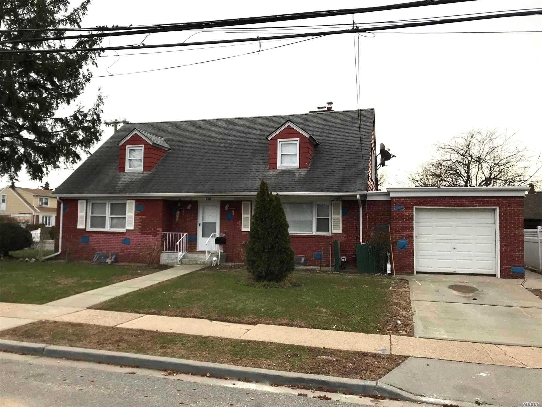 188 Willow Ave Hempstead, NY 11550