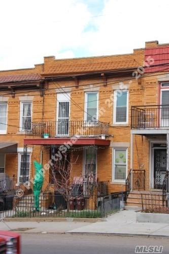 63-13 Eliot Ave Middle Village, NY 11379