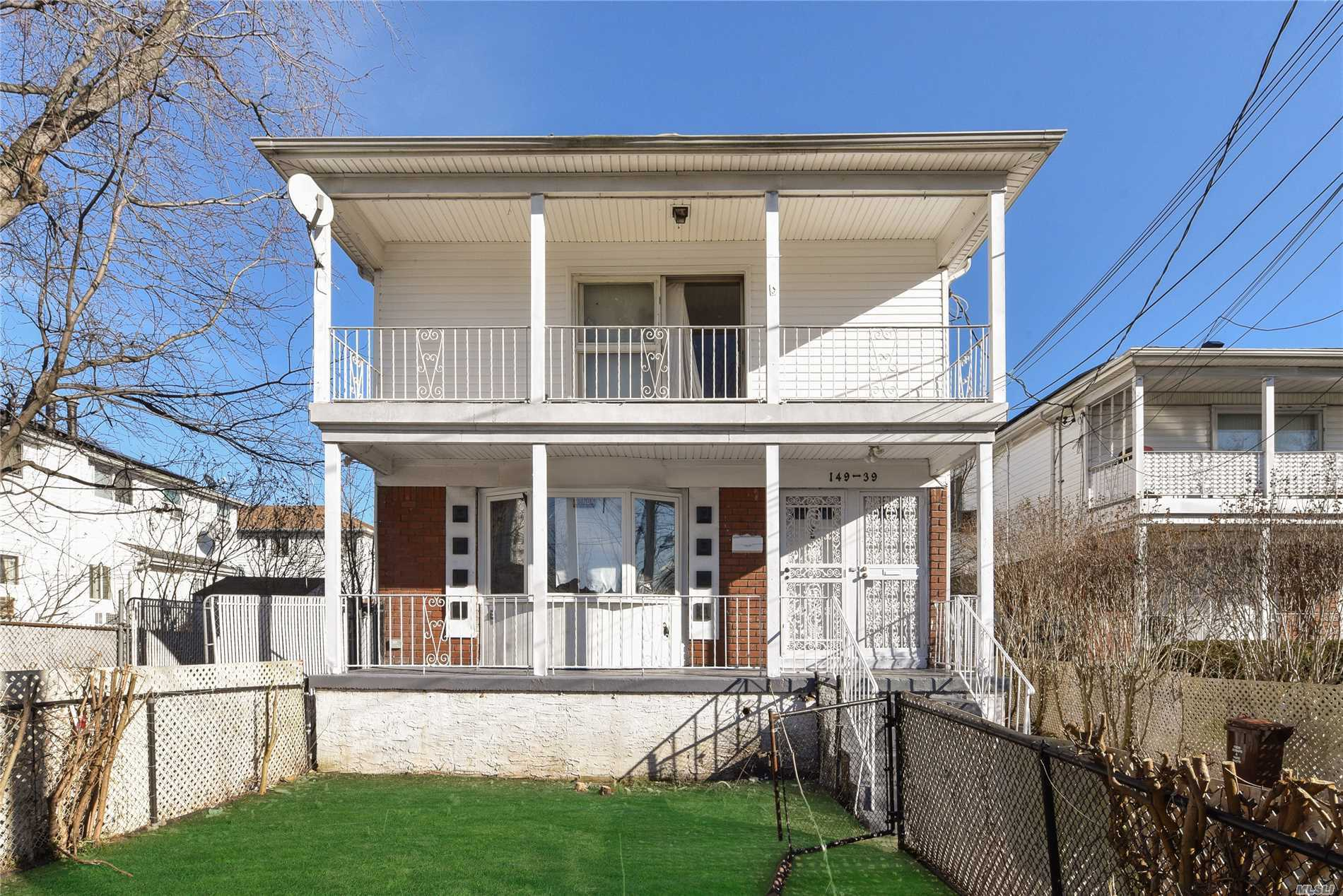 149-39 Huxley St Rosedale, NY 11422