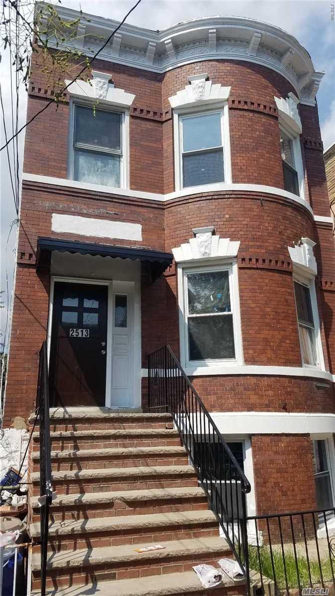 2513 Maclay Avenue Bronx, NY 10461