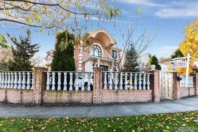 110-62 67 Rd Forest Hills, NY 11375