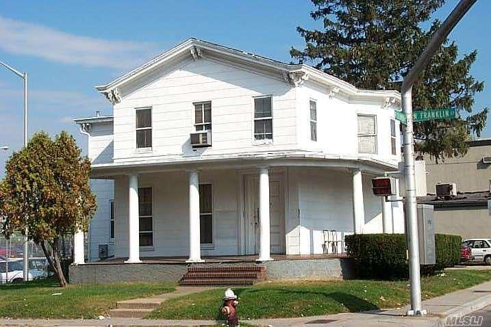144 North Franklin St Hempstead, NY 11550
