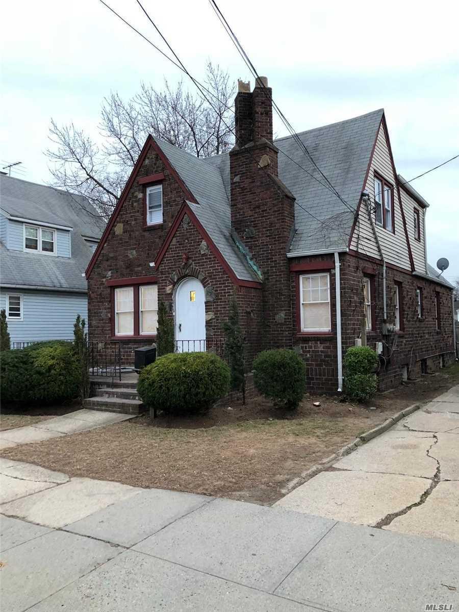 163 Ivy St W. Hempstead, NY 11552