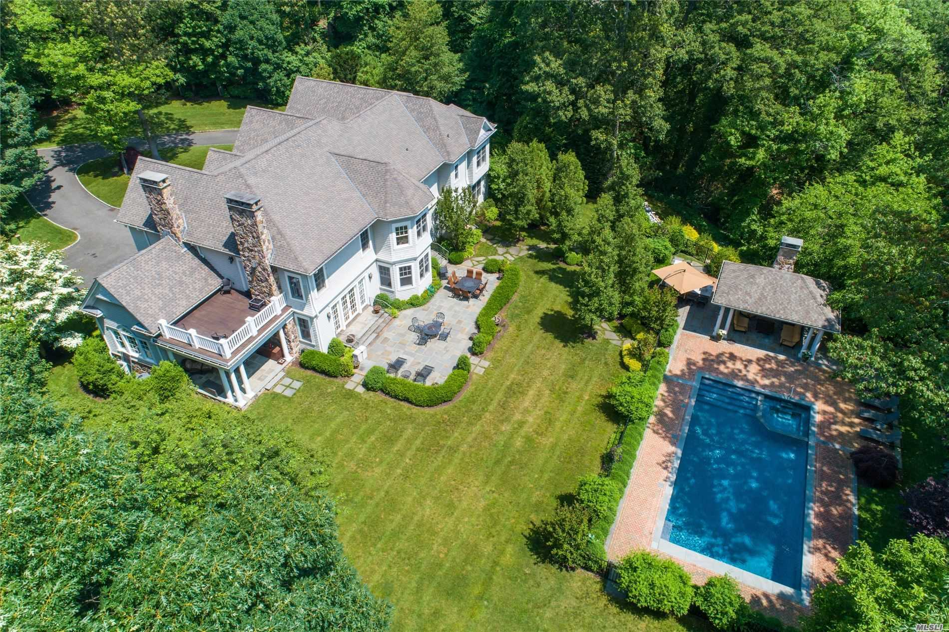 1180 Cove Edge Rd Oyster Bay Cove, NY 11791