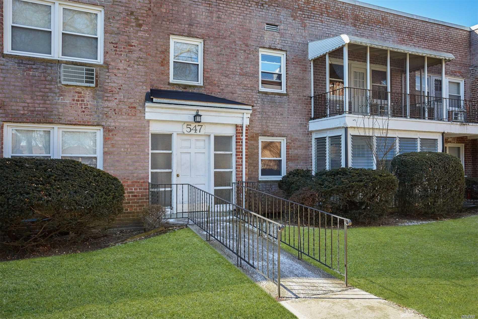 547 Central Ave Cedarhurst, NY 11516