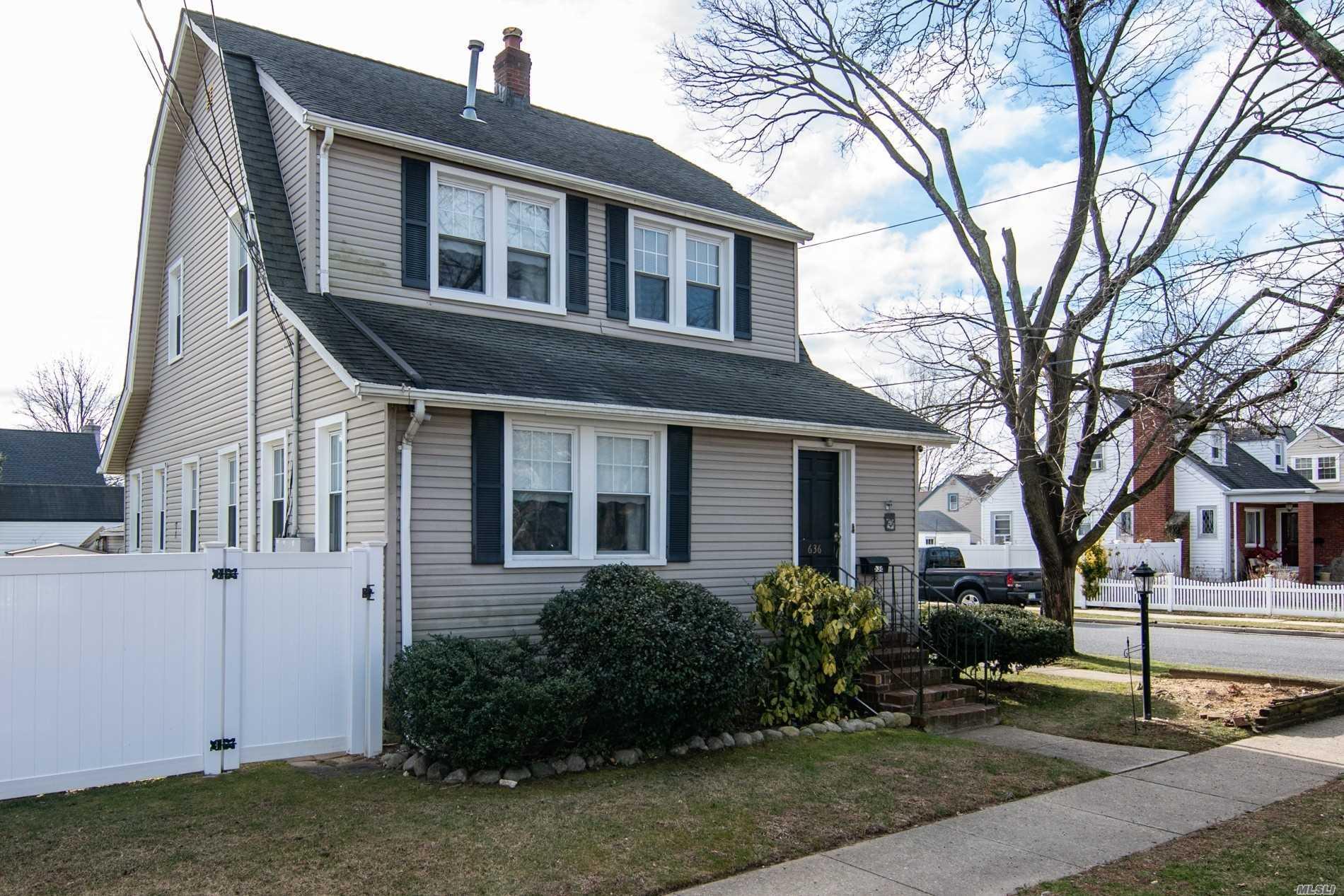 636 Westminster Rd N. Baldwin, NY 11510
