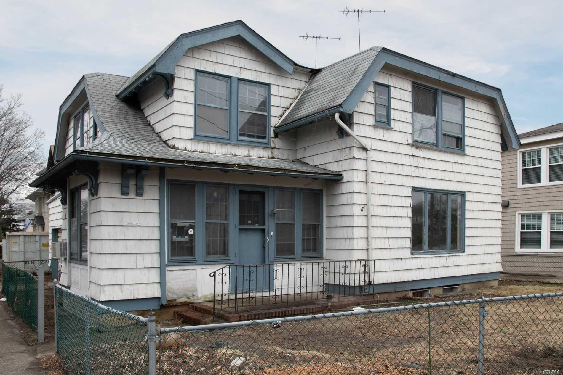 568 W Broadway Cedarhurst, NY 11516