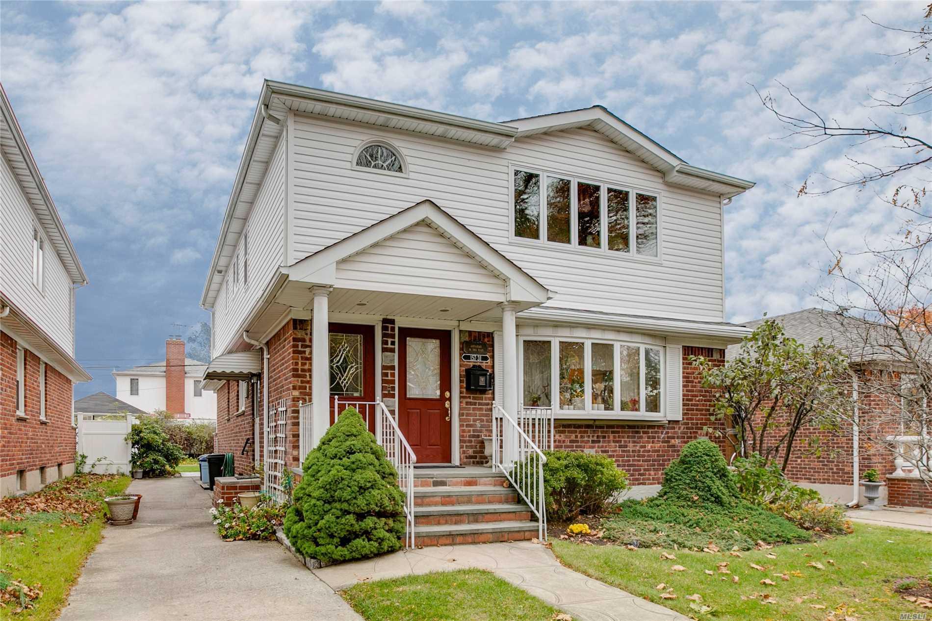 157-31 16th Rd Whitestone, NY 11357