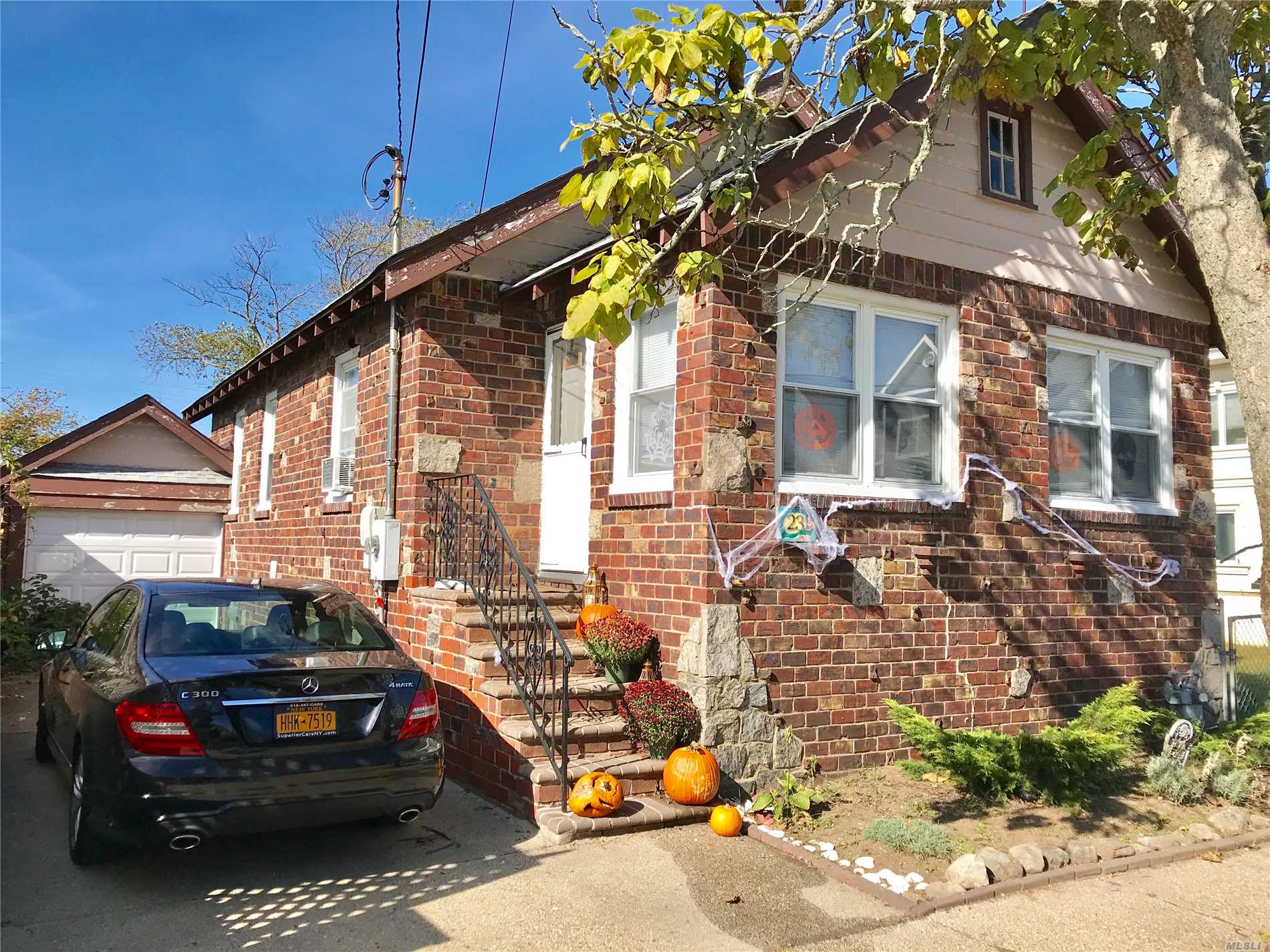 23 Glenwood Ave Point Lookout, NY 11569