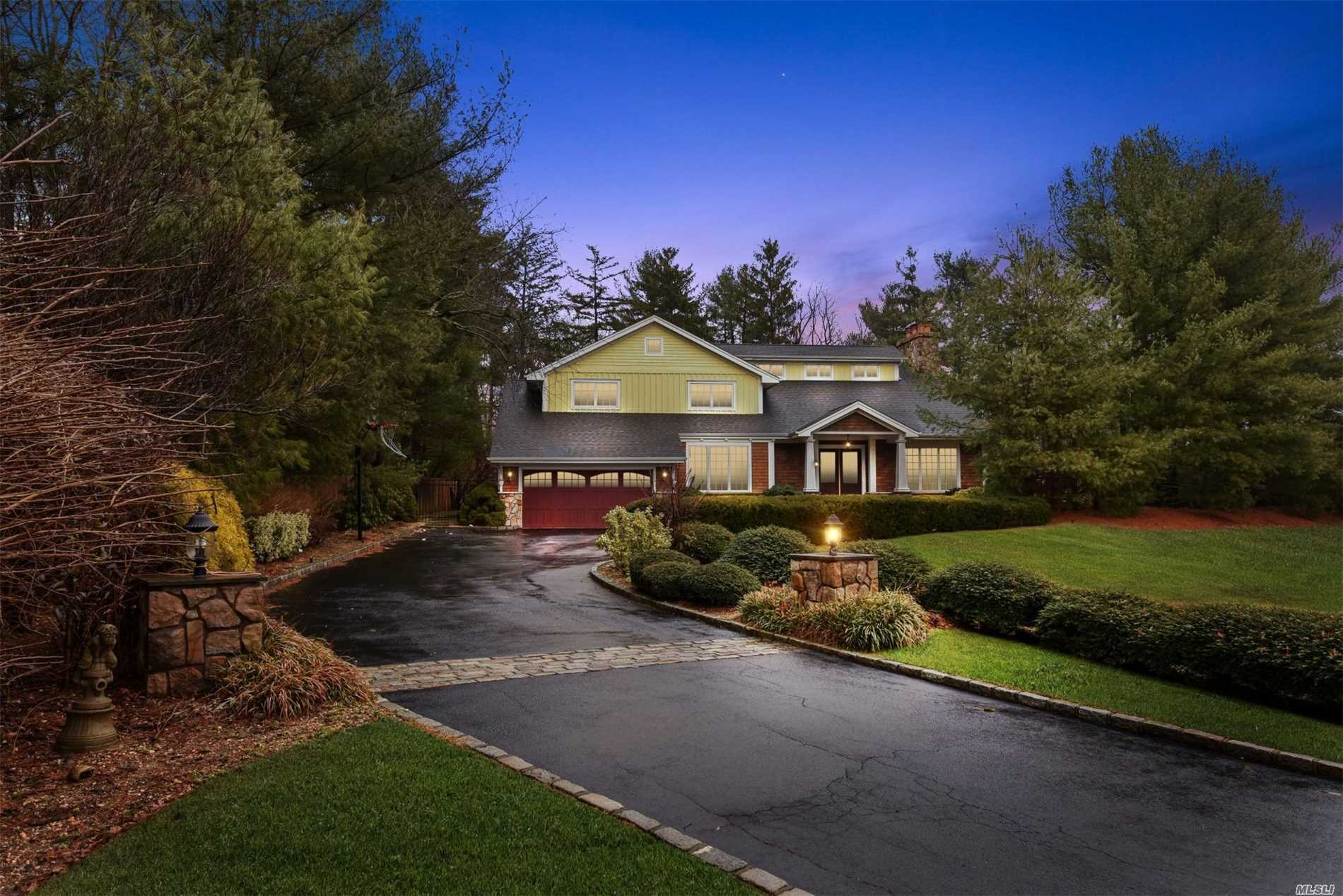 9 Townsend Dr Syosset, NY 11791