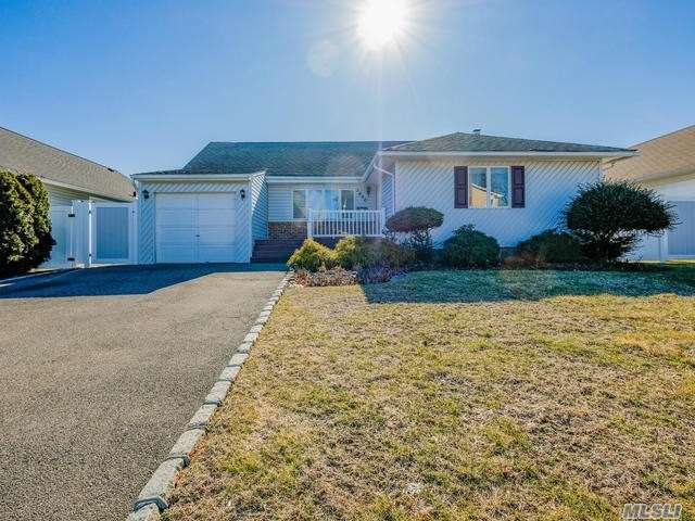 3620 Collector Ln Bethpage, NY 11714