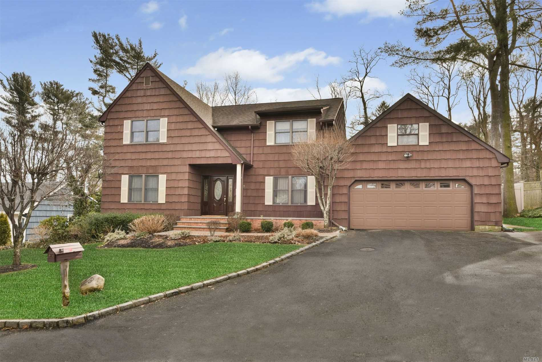 918 The Concourse Oyster Bay, NY 11771