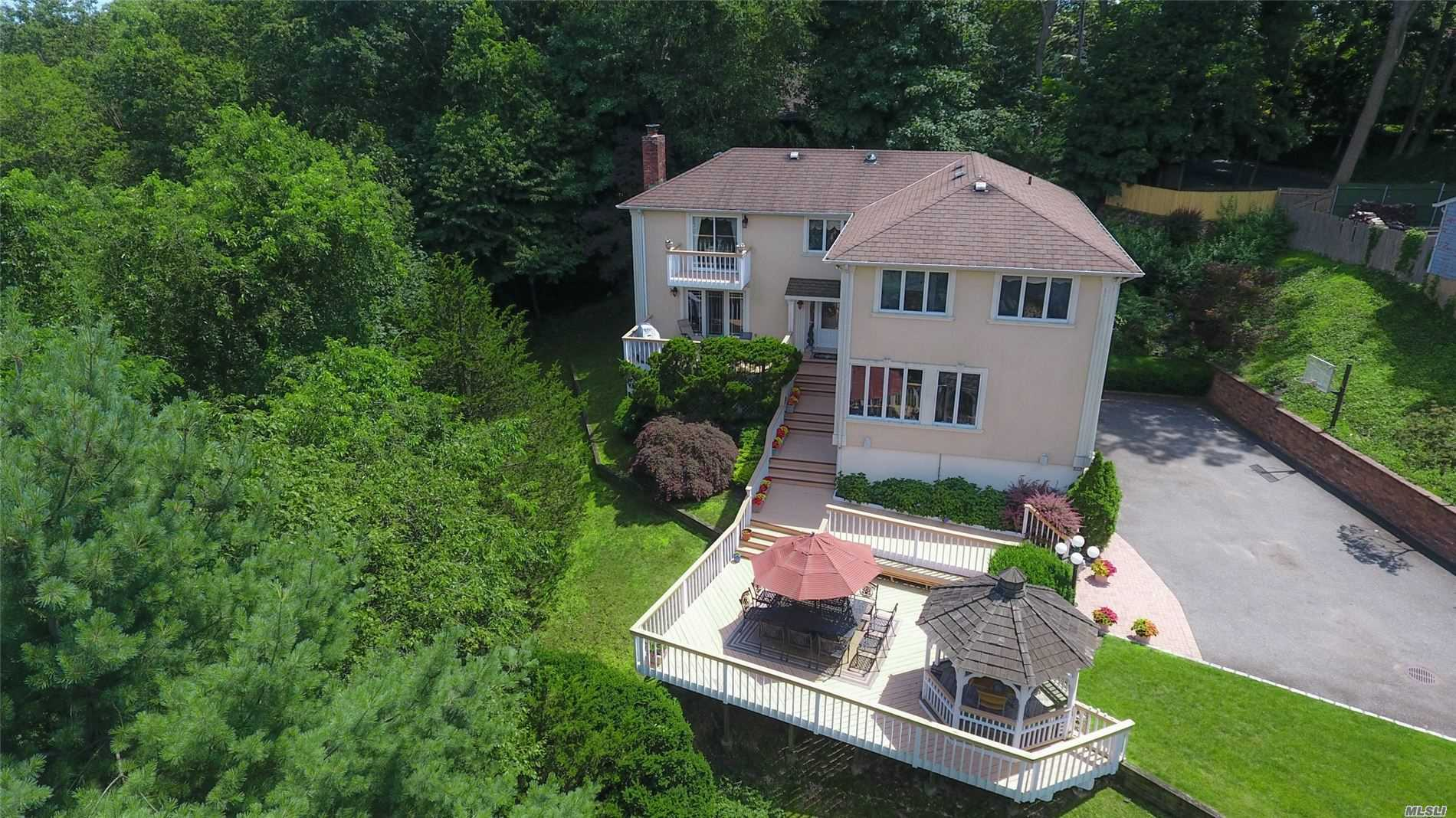 873 Oyster Bay Rd East Norwich, NY 11732