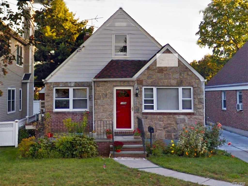 1304 Belmont Ave New Hyde Park, NY 11040
