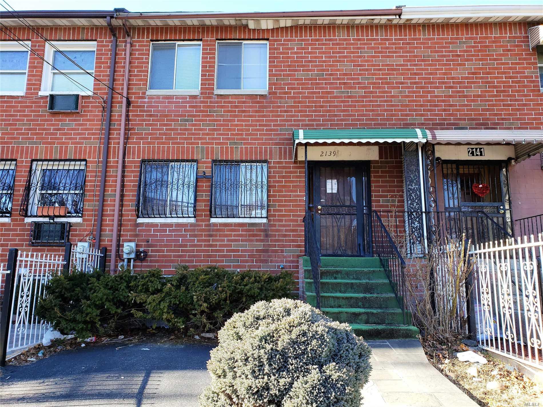 2139 Clinton Ave,Bronx  NY
