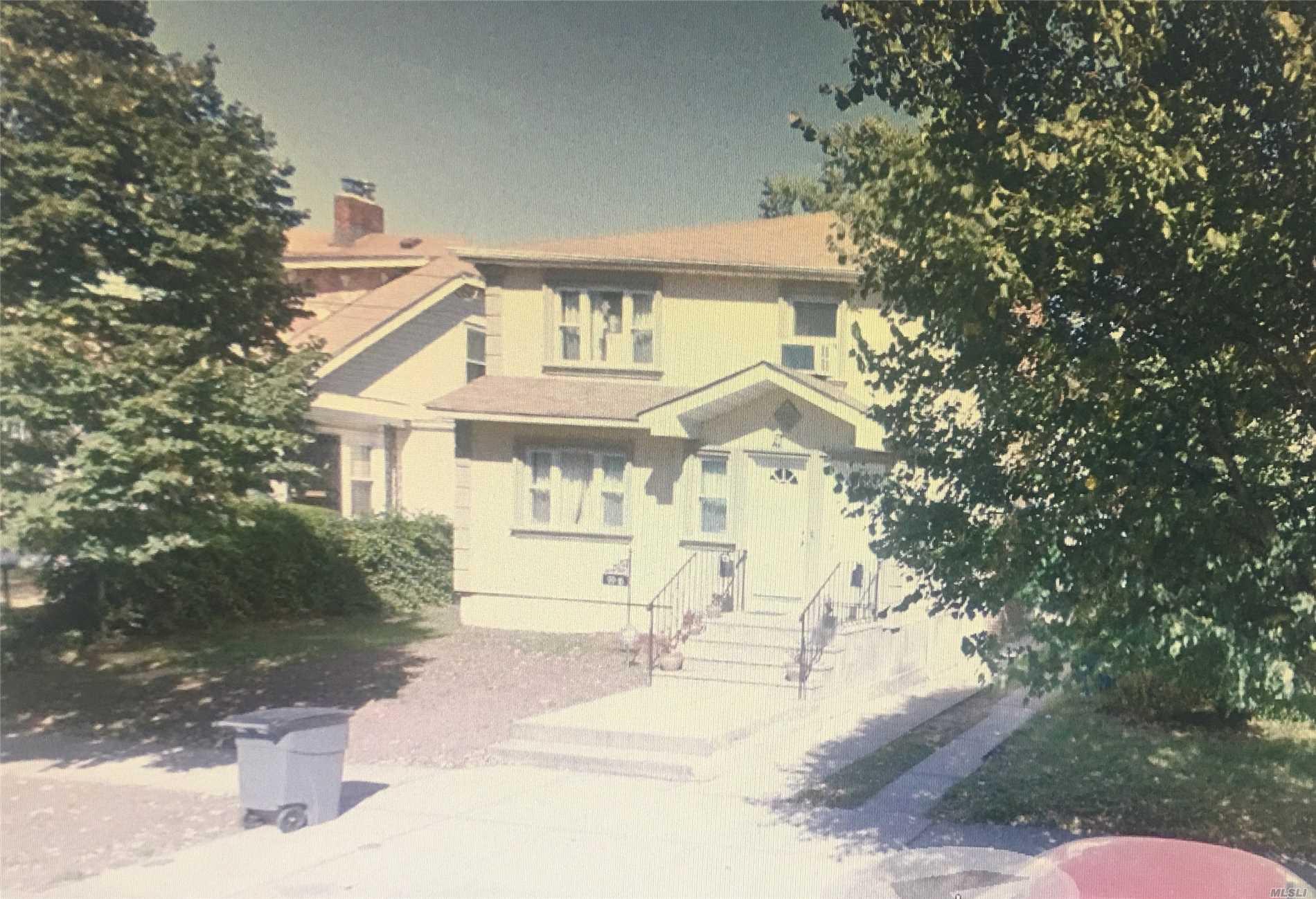 99-15  200 St Hollis, NY 11423