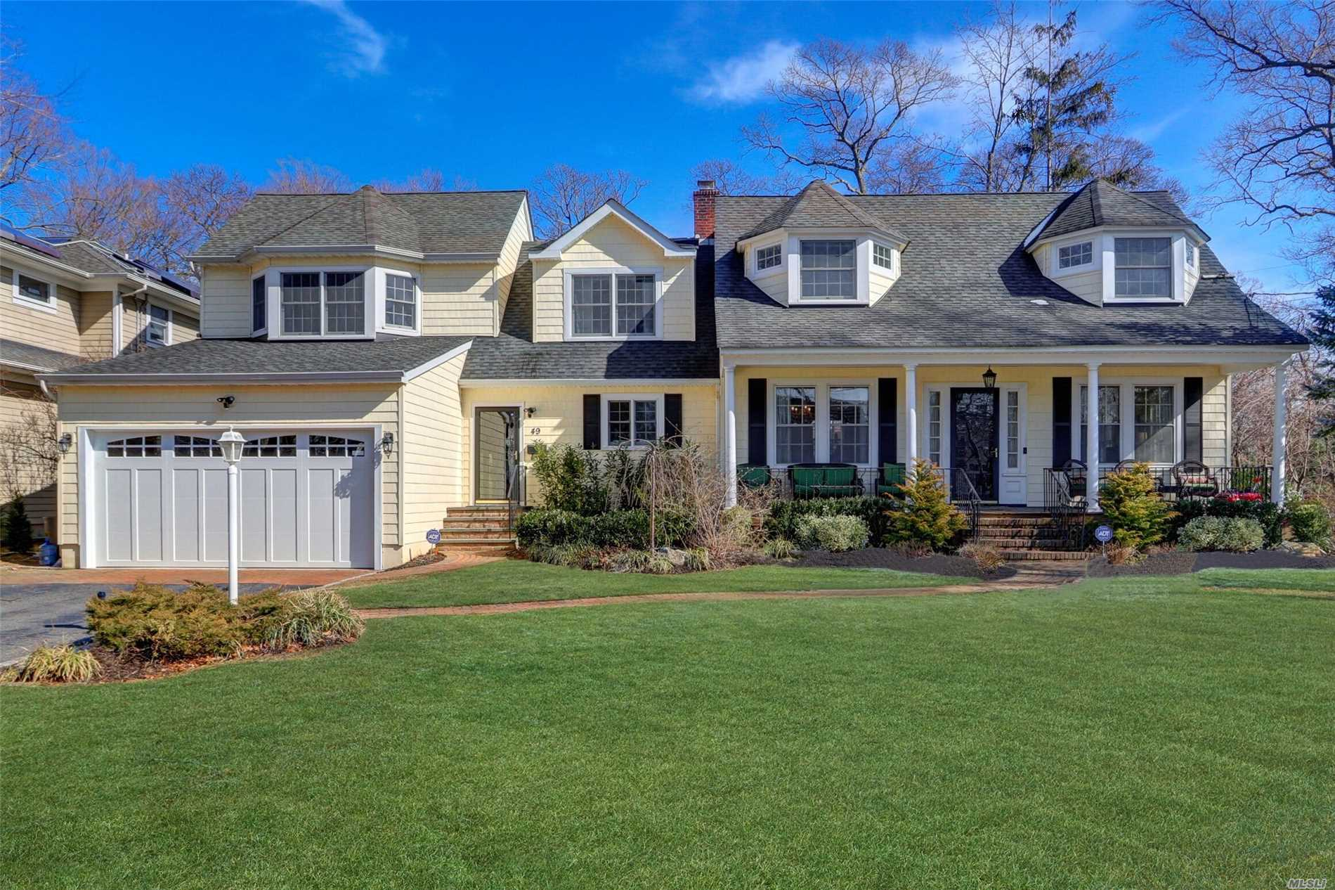 49 Lindenmere Dr Merrick, NY 11566