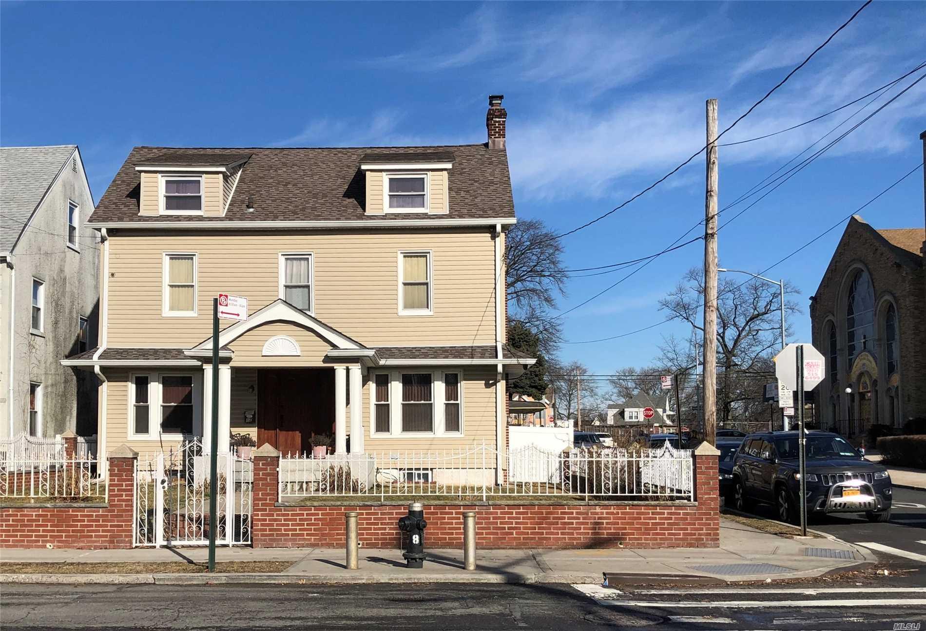 151-17 84th Dr Briarwood, NY 11432
