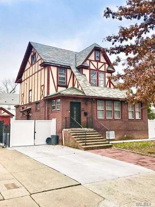One of Flushing 6 Bedroom Homes for Sale at 35-19 158th St