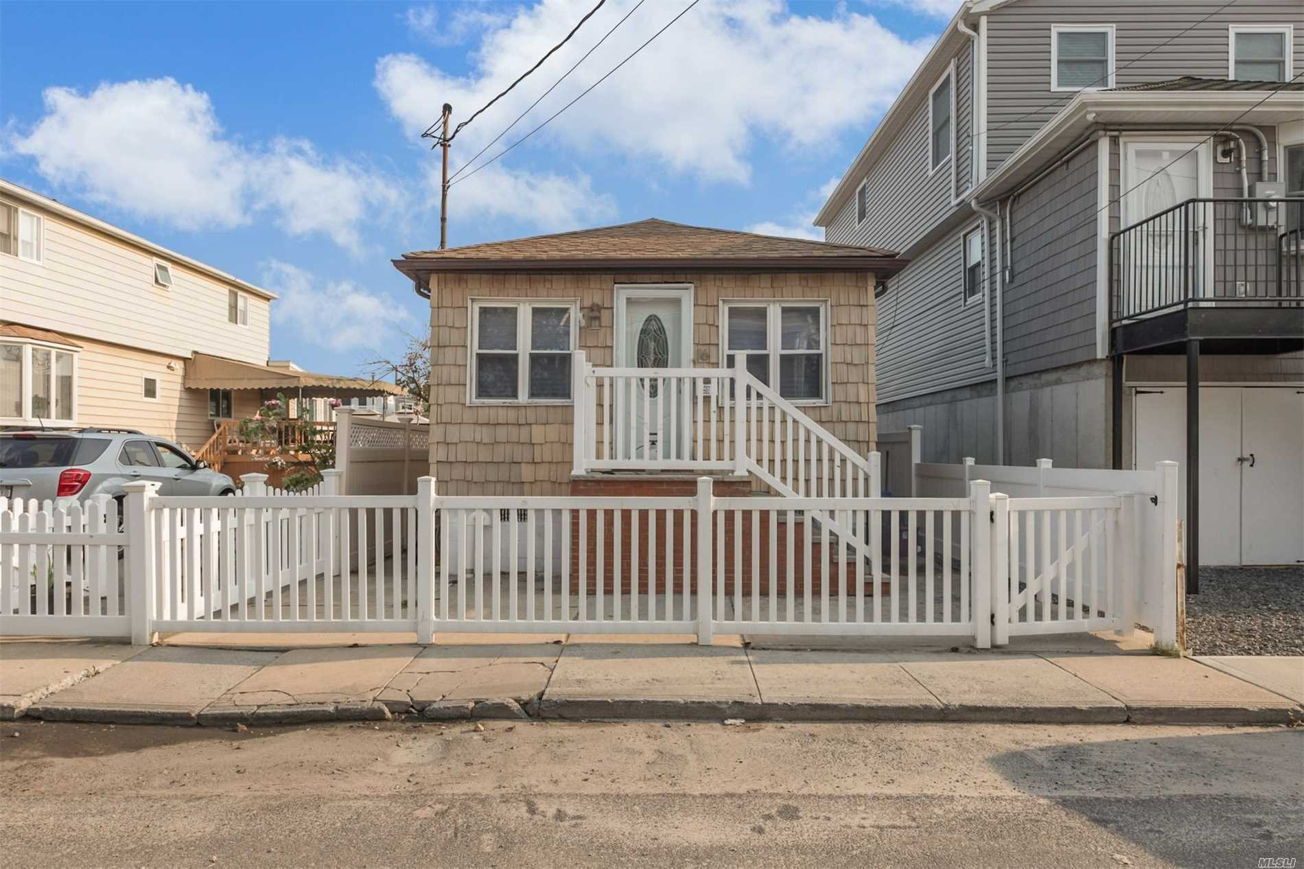 16 W 15th Rd Broad Channel, NY 11693