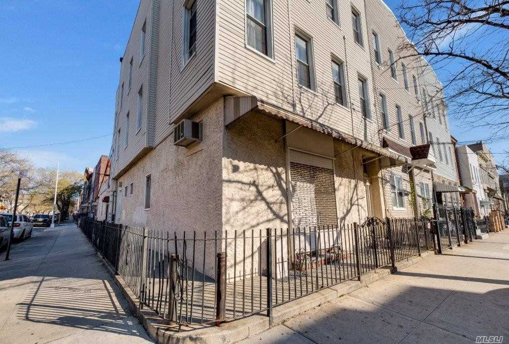 575 Onderdonk Ave Ridgewood, NY 11385