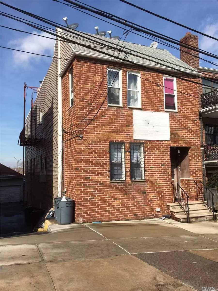 86-21 60th Rd Elmhurst, NY 11373