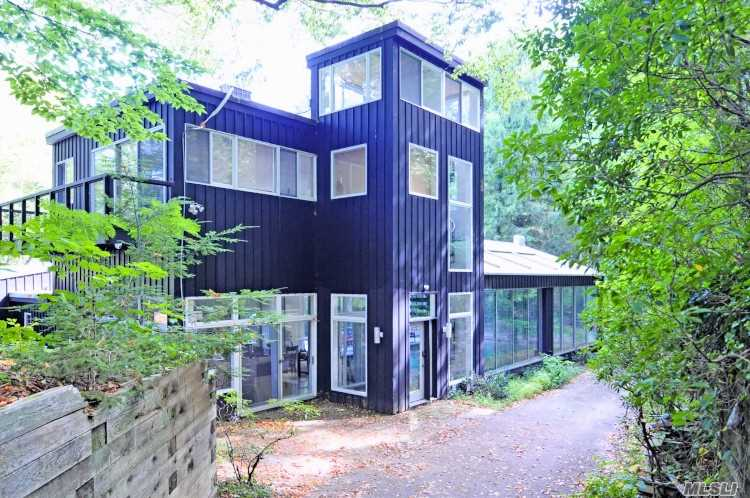 428d Harbor Rd Cold Spring Hrbr, NY 11724