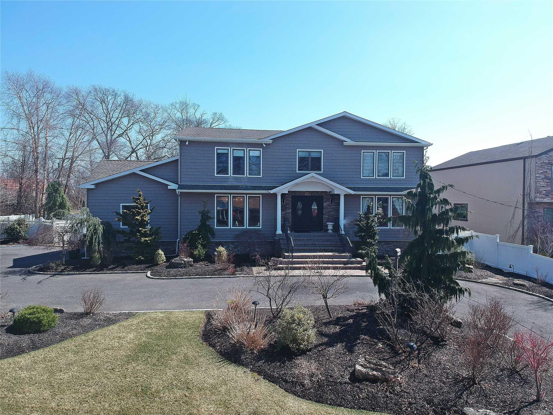 2018 Lake End Rd Merrick, NY 11566