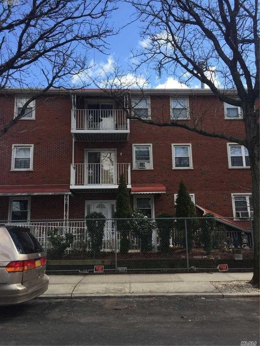 31-41 12th St Long Island City, NY 11106