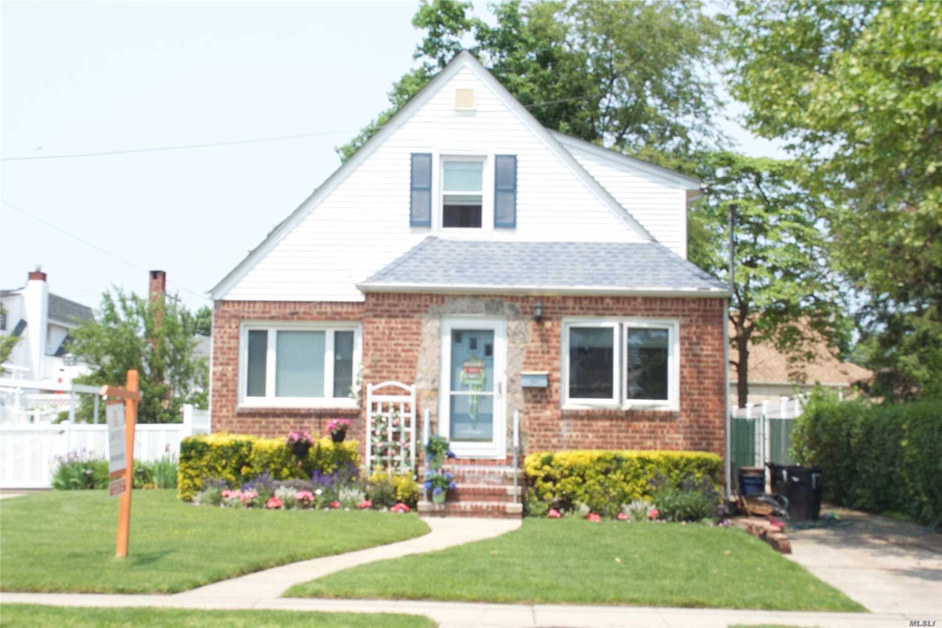 1737 Belmont Avenue New Hyde Park, NY 11040